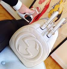 gucci bags and shoes. ✦⊱ɛʂɬཞɛƖƖą⊰✦ · gucci pursesgucci handbagslouis bags and shoes