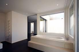 Badezimmerfenster Modelle Mit Sichtschutz