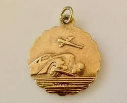 vintage 9ct gold st christopher by