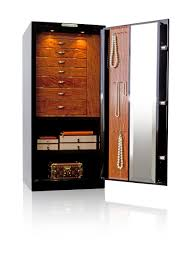 the gem 4018 is our midsize luxury jewelry home safe and is our most por model the height of this model allows easy access to the jewelry box drawers