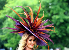 Dames chapeautées... Images?q=tbn:ANd9GcR4U-CZ3j252gBBtRxuWciGCmx5_Hi_yDZHjq0Hosg8gpmZwDUC