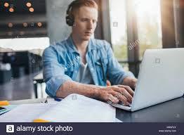 essay success in business descriptive text