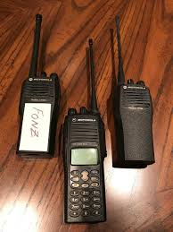 motorola walkie talkie cp200. i\u0027m so happy with my now civilian motorola cp200 vhf 4-channel transceiver; and, now, a junkie. looking out for new xpr 7550e. walkie talkie cp200 0