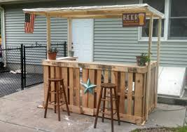 Bar Made Out Of Pallets I Made A Backyard Bar Out Of Pallets Somethingimade