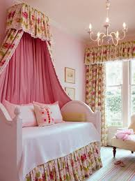 Delightful Trundle Canopy Bed For Girls Bedroom ...