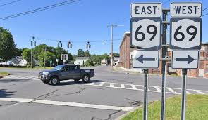 The Light Connection Oriskany Stoplight About To Change At Busy Oriskany Intersection