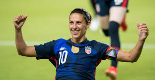 5 feet 8 inches (1.73 meters) in height and 62 kilograms in weight, she is one of the most attractive women in the world (137lbs). Carli Lloyd Becomes Oldest Soccer Star To Score A Goal In The Olympics