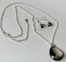 drop pendant necklace set out of stock