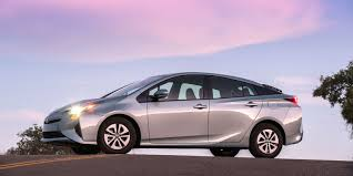 2016 Toyota Prius first drive: Fuel economy rises again