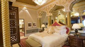 Fantastic Arabian Bedroom Decoration With Lavish White Bedding Set And  Amazing Curvy Architectural Ideas