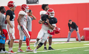 Houston Cougars Depth Chart Holgorsen Looks At Front Lines As First Priority The Cougar