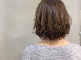 レイヤーボブスタイルとヘアスタイルの流行 Iide 大阪 谷町六丁目 松屋