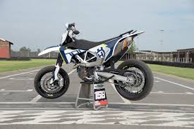 ride review husqvarna 701 supermoto za bikers