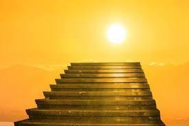 Véhicule de transport en commun ayant des marches pliantes. Treppe Zum Himmel Stairs In Sky Konzept Mit Sonne Und Weissen Clouds Concept Religion Hintergrund Lizenzfreie Fotos Bilder Und Stock Fotografie Image 73250298
