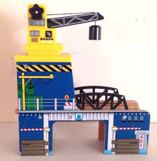 toys r us geoffrey wooden crane bridge tunnel thomas train comparable