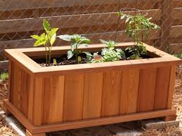 tall raised wood garden planter boxes with legs and vegetable garden plants ideas