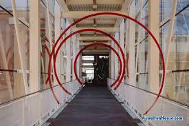 hallway illusion. 3d painted rings hallway illusion