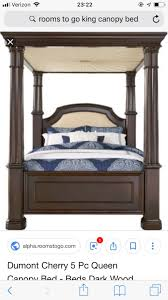 Begagnad King canopy bed from rooms to go till salu i McDonough - letgo