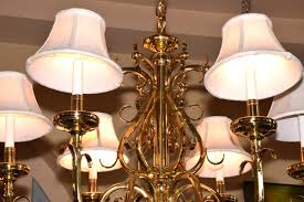 lot 1508 solid brass williamsburg style 6 light chandelier fitted with cloth shades