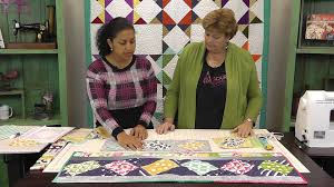 Twist 10 Table Runner Tutorial with Jenny Doan of Missouri Star ... & Twist 10 Table Runner Tutorial with Jenny Doan of Missouri Star Quilt Co. -  YouTube Adamdwight.com