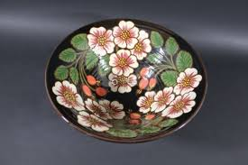 LARGE WENDY MASON FRUIT BOWL a large pottery fruit bowl, painted to the  interior and exterior with-【Deal Price Picture】