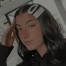 Pin by Ava Hanson on Ash in 2020 | Beauty girl, Aesthetic girl, Famous girls
