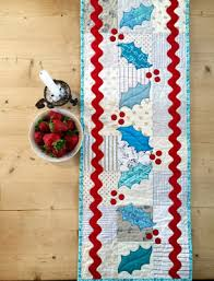 Christmas Table Runner Patterns Delectable Quilt Inspiration Free Pattern Day Christmas Table Runners