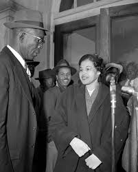 rosa parks academy of achievement rosa parks and e d nixon former president of the alabama naacp arrive at court