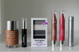 Evening Holiday Look Using Neutrogena Makeup