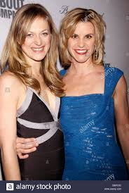 Marin Irlanda e Giulia Colella Roundabout Theatre Company's 2012 Spring  Gala, tenutosi presso la sala da ballo Hammerstein - Nuovi arrivi Foto  stock - Alamy