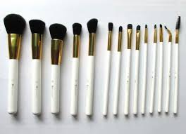 it is the fluffiest semi round brush in this set and it works nicely to apply powder on face usually i prefer a bigger brush as a powder brush but