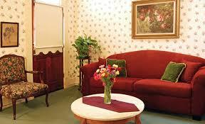 lounge area at garden street inn