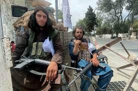 """طالبان ترسل مقاتلين للسيطرة على بانشير ومسعود يعلن الاستعداد لنزاع """"طويل  الأمد"""""""