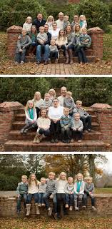 Extended family session posing  http://www.lisasinclairphotography.com/leesburg-