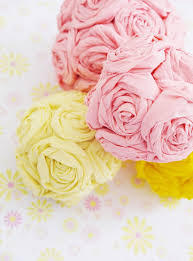 tissue paper flower centerpiece ideas diy crepe paper flower pomanders party decorations party ideas