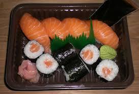 Resultat d'imatges de sushi salmón