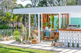 Palm Springs Garden Design How To Get Palm Springs Style Better Homes And Gardens