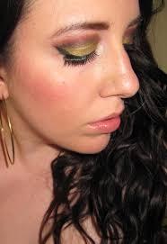 golden dramatic makeup look