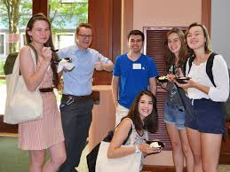 Honors Student Government is a forum to plan social  cultural  and service activities  promote unity among Honors students  and foster a community of     DePaul University Honors Program