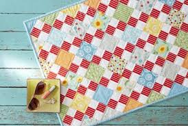 Free Fat Quarter-Friendly Quilt Patterns | AllPeopleQuilt.com & Summer Days Table Topper Adamdwight.com