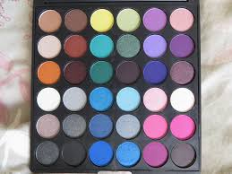 crownbrush eyeshadow palette the smoke it out palette es with 36 shadows with mostly matte and satin finishes most review