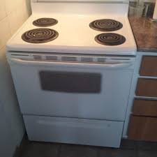 stove frigidaire. ***one year old frigidaire stove for sale. like brand new!* e