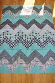 Chevron quilt tutorial. Ive made these both ways and I still cant ... & Chevron quilt tutorial. Ive made these both ways and I still cant decide  which way Adamdwight.com