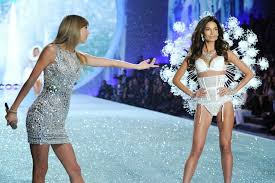 victoria s secret kept hair and makeup similar to previous years with the trademark victoria s secret curls and hair extensions the big shock of the night