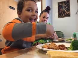 olive garden serves hundreds on thanksgiving at springfield soup kitchen