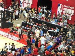 """Alan Ly on Twitter: """"Dwight Howard talking to Clippers Jerry West… """""""
