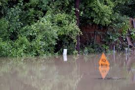 officials tell residents to leave quickly as rivers rise news thefacts