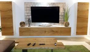 Wohnzimmer TV Board Aus Eiche, Moderne TV Rückwand Mit Blattsilber Belegt  Und Tisch