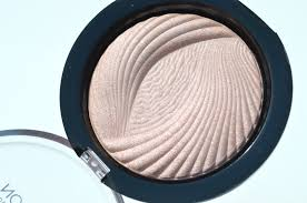 makeup revolution peach lights baked highlighter