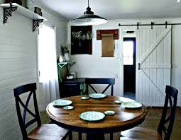 paint a farmhouse pedestal table